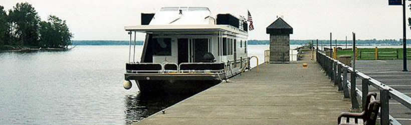 Houseboating the Erie Canal