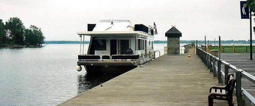 Houseboating in New York