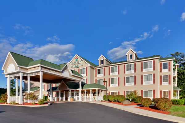 Country Inn & Suites - Queensbury