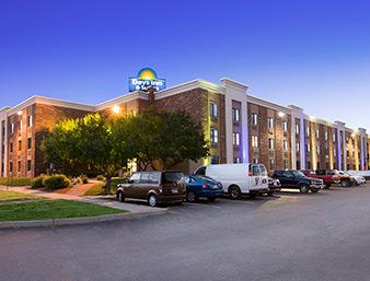 Days Inn & Suites - Plattsburgh