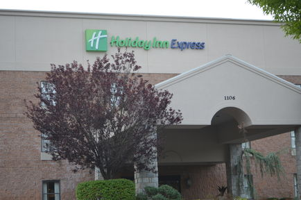 Holiday Inn Express - West Point